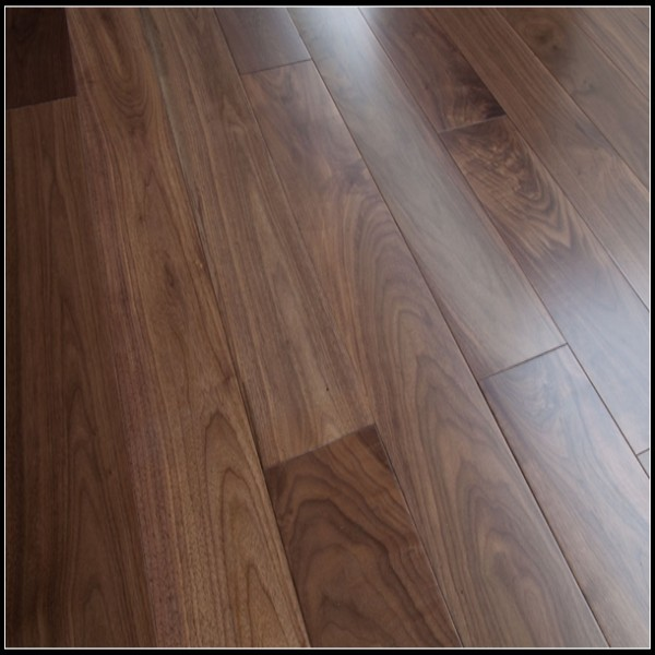 18mm Solid Walnut Wood Flooring