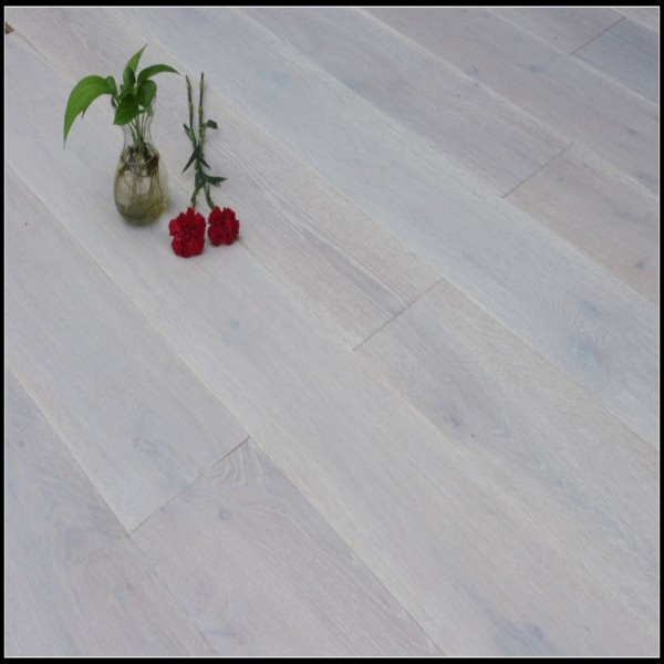 Multi-layer Oak Flooring Emboss&White Oil