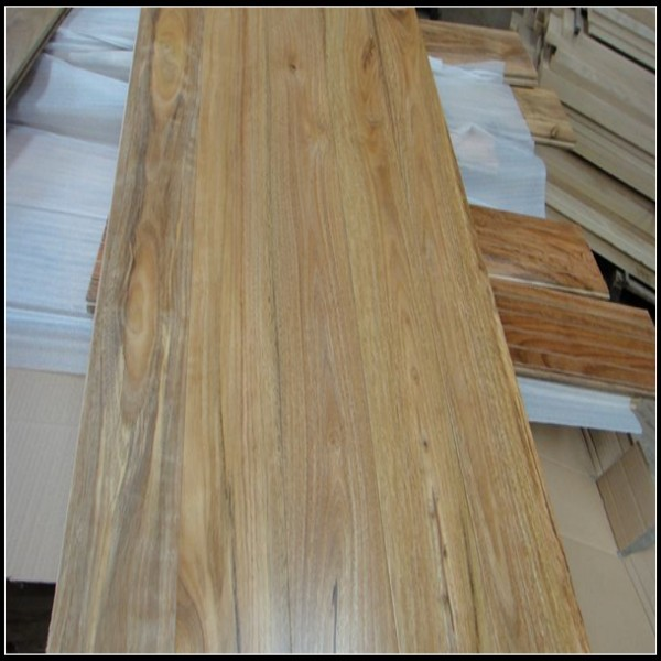 Spotted gum timber flooring spotted gum hardwood flooring for Engineered wood flooring manufacturers