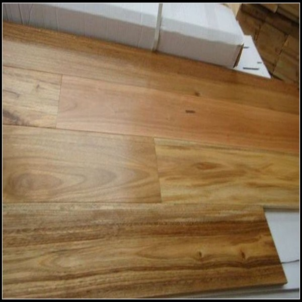 Spotted gum engineered hardwood flooring manufacturers for Engineered wood flooring manufacturers